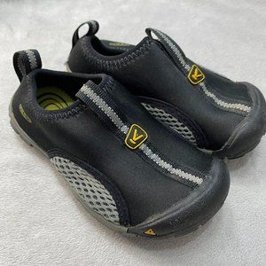 Keen Boys Pull On Shoes Size 9